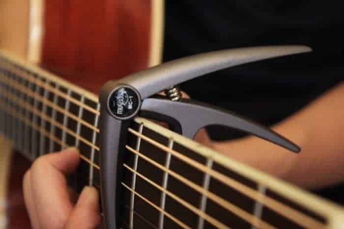 Can you play guitar without a capo