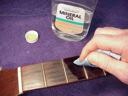 Should you oil a guitar fretboard