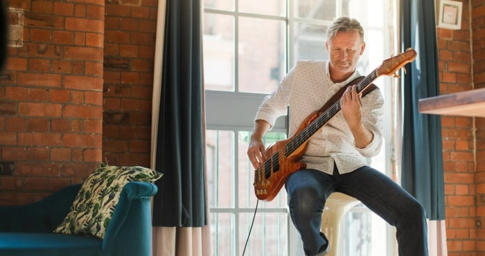 is bass guitar easy to learn